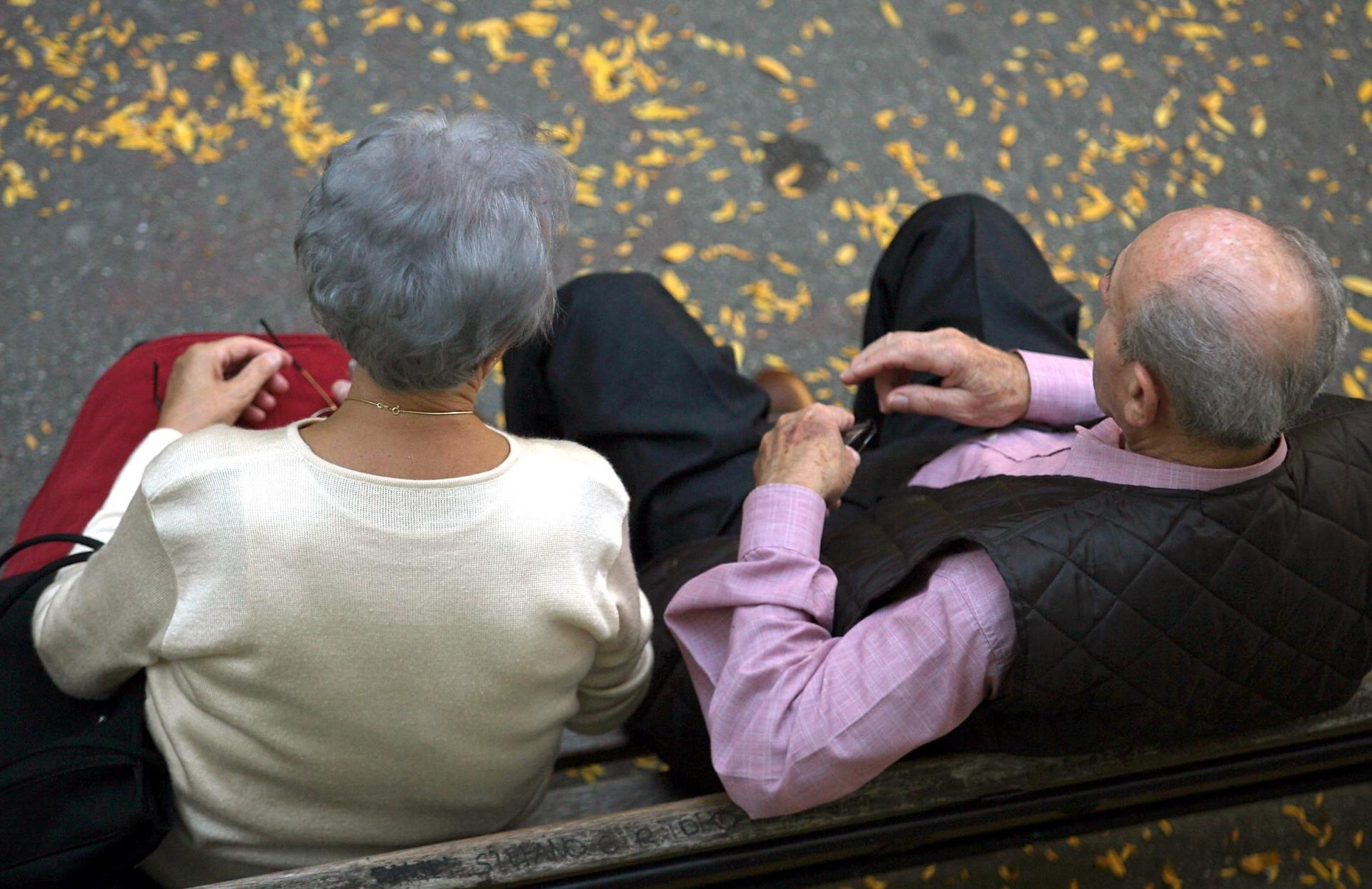 Gli anziani restano nella loro casa per ora la voce di rovigo