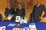 In auto con 5 chili di droga, arrestato