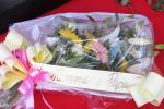 """""""Un fiore da mamma e papà"""": il pellegrinaggio dei genitori di Giulia"""