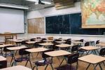 Riapertura scuole? La decisione slitta a sabato