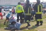 Schianto, donna intrappolata: salvata dai pompieri e da alcuni ragazzi