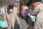 A 93 anni batte il virus e torna a casa, la storia che commuove