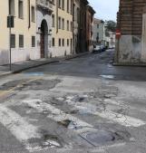 Strada e piazza da campo minato