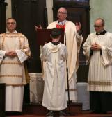 La messa pasquale del vescovo Pavanello, tra accoglienza e speranza