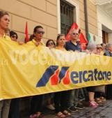 Tasse comunali sospese ai 37 lavoratori in bilico