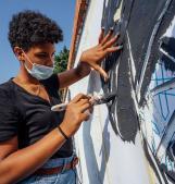 L'artistico regala colori alla città