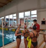 15 medaglie nella prima giornata in vasca