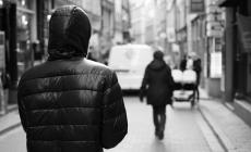 Arrestato 63enne stalker: spiava e pedinava la ex