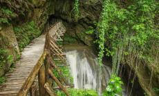 Grotte del Caglieron, quando il torrente diventa scultore