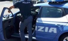 Vuole buttarsi nel Po, giovane poliziotto eroe la salva