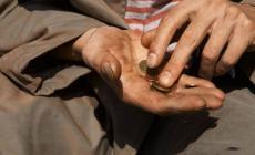 Invalidi e malati, italiani, rischiano di finire in strada