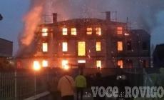 Villa Pavanini divorata dalle fiamme