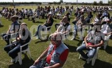 Un campo da calcio pieno di amici per l'addio a Emanuele