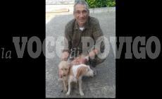 I suoi cani hanno vegliato il corpo e cercato aiuto