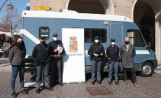 Il camper della polizia contro la violenza sulle donne