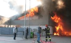 Tremendo incendio a Ramedello, pompieri sul posto
