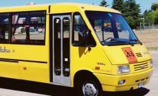 Bimba positiva sullo scuolabus, sospeso il servizio