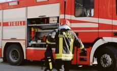 Vandali incendiano lo scuolabus