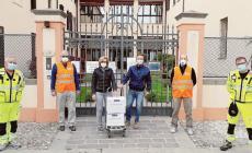 500 mascherine e guanti per le forze dell'ordine, i medici e casa di riposo