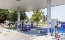 Assalto con il trattore al distributore: danni per 50mila euro e casse rubate