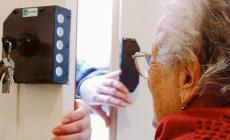 Finti tecnici a caccia di anziani
