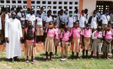 La solidarietà che vale la scuola per novanta ragazzi