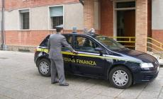 Bancaria circuisce 88enne e diventa erede universale, sospesa dalla banca rodigina