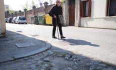 Corsa ad ostacoli per andare a scuola <br/> tra via Roccati e via Sichirollo