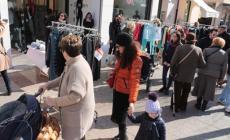 """""""Stop ai centri commerciali"""" <br/> i candidati e le idee per la città"""