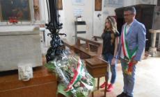 Corteo con un lungo tricolore <br/> celebrata la Festa della Repubblica