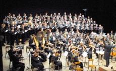 """Orchestra e coro """"Tullio Serafin"""" <br/> pronti all'esibizione in piazza"""