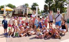 """Una bella festa in piscina <br/> per i bambini della scuola """"Sichirollo"""""""