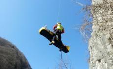 Alpinista cade nel vuoto <br/> i soccorritori lo trovano morto