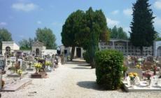 Fuoriuscite di liquidi da un loculo <br/> cimitero chiuso per lavori di ripristino