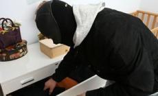 Anziani aggrediti in casa dai ladri<br/>infarto per l'uomo e femore rotto