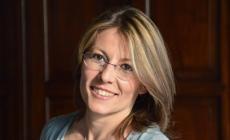 """La scrittrice Sara Rattaro <br/> presenterà """"Niente è come te"""""""