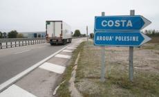 Scaricati da un tir in superstrada<br/> 10 profughi somali arrivano a Costa