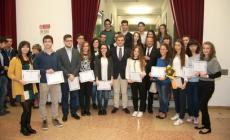 Il sindaco Massimo Bergamin <br/> ha premiato i centini d'eccellenza