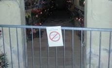 Cede il soffitto <br/> divieto d'accesso al cimitero