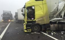 Nebbia killer causa un incidente <br/>tamponamento in A13: una vittima