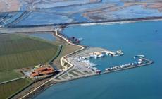 Lavori alla bocca del porto di Pila <br/>per ripristinare la navigabilità