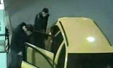 """Trovata bruciata l'Audi gialla <br/> Zaia: """"Ora sono ancor più pericolosi"""""""