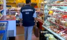 Insetticidi scaduti <br/> supermercato nei guai