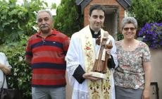 Dopo la guarigione  ricvevuta <br/>coppia dedica un capitello a Padre Pio