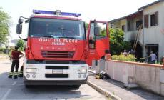 """Bimba """"prigioniera"""" nell'auto, intervengono i vigili del fuoco"""