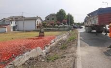 Esce di strada con tir carico di pomodori: muore 61enne camionista