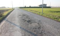 Una colata d'asfalto sulle frazioni