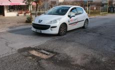 Via Giotto: l'asfalto non è per tutti, le buche sì