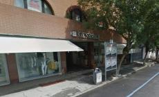I ladri assaltano la sede di Generali sul Corso: danni ingenti, bottino magro