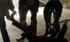 Aggressione del 14enne, un bastone per bloccargli la bicicletta